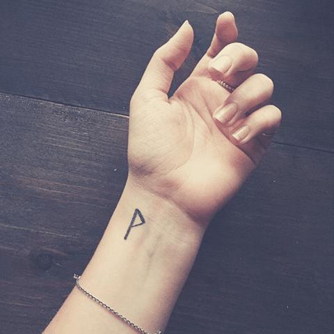 Tatuaje de la runa Wunjo